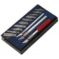 Couteaux de modéliste...
